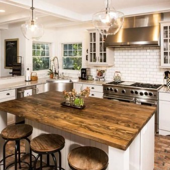 Classy Wooden Kitchen Island Ideas For Your Kitchen 19