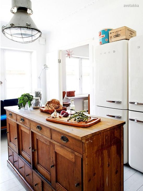 Classy Wooden Kitchen Island Ideas For Your Kitchen 43