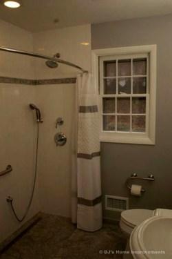 Comfy Bathroom Design Ideas With Shower Concept 07