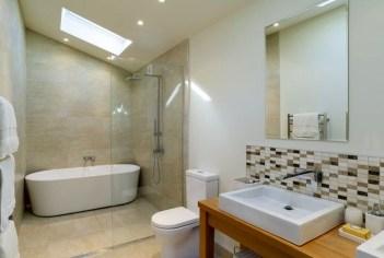 Comfy Bathroom Design Ideas With Shower Concept 18