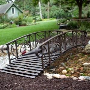 Cool Garden Bridge Ideas You Will Totally Love 22