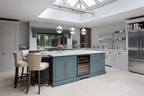 Magnificient Open Plan Kitchen With Feature Island Ideas 10