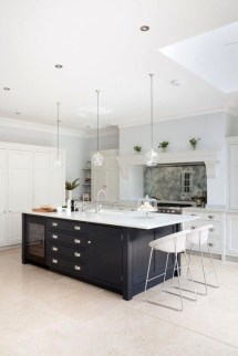 Magnificient Open Plan Kitchen With Feature Island Ideas 11