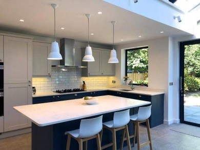 Magnificient Open Plan Kitchen With Feature Island Ideas 16