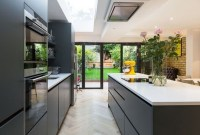 Magnificient Open Plan Kitchen With Feature Island Ideas 38