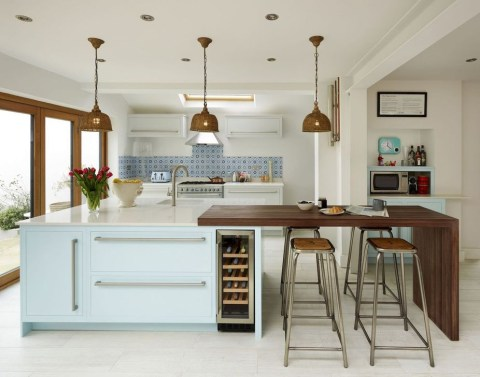 Magnificient Open Plan Kitchen With Feature Island Ideas 49