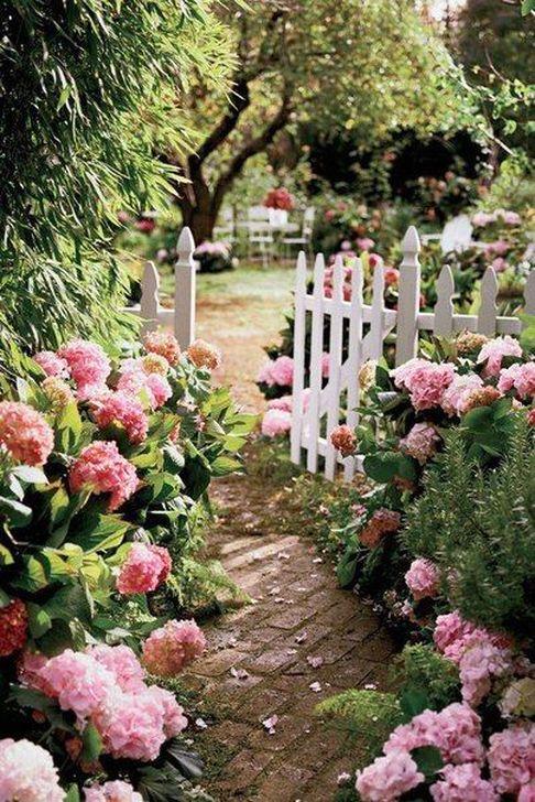 Romantic Backyard Garden Ideas You Should Try 02