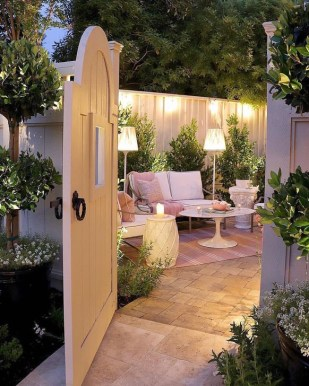 Romantic Backyard Garden Ideas You Should Try 18