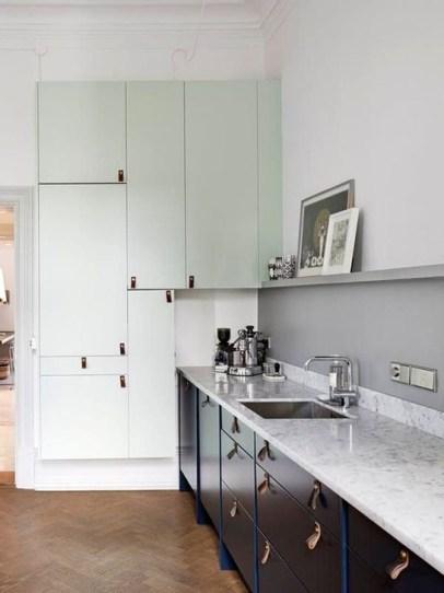 Stunning Dark Grey Kitchen Design Ideas 15