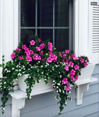 Wonderful Window Box Planters Yo Beautify Up Your Home 25