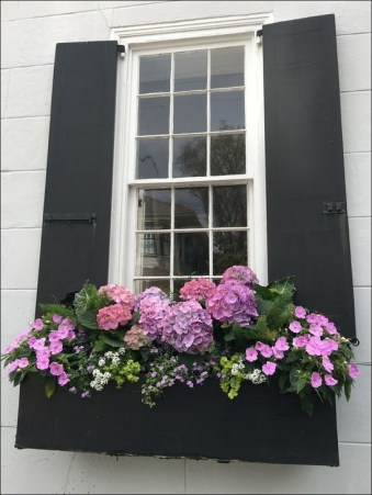 Wonderful Window Box Planters Yo Beautify Up Your Home 45