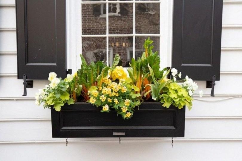 Wonderful Window Box Planters Yo Beautify Up Your Home 46