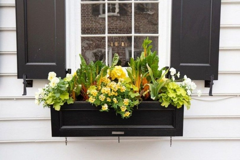 Wonderful Window Box Planters Yo Beautify Up Your Home 46