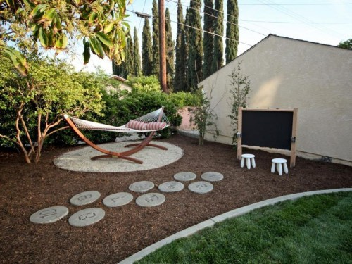 Affordable Backyard Hammock Decor Ideas For Summer Vibes 31
