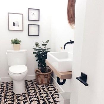 Elegant Wood Decor Ideas For Your Bathroom Design 27