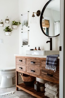 Elegant Wood Decor Ideas For Your Bathroom Design 34