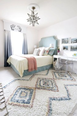 Lovely Bedroom Ideas With Beautiful Rug Decoration 18
