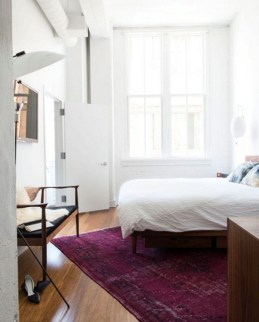 Lovely Bedroom Ideas With Beautiful Rug Decoration 35
