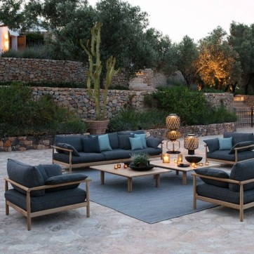 Magnificient Outdoor Lounge Ideas For Your Home 24