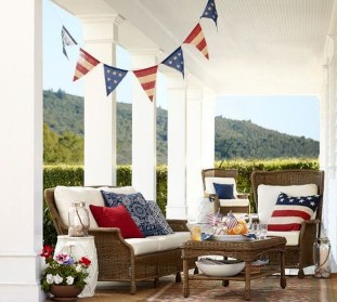 Super Patriotic Porch Independence Day Decoraion Ideas 07
