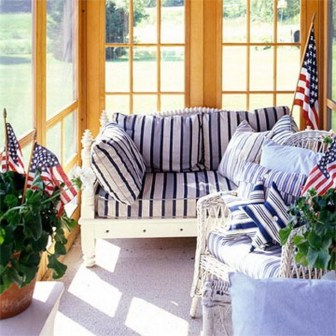 Super Patriotic Porch Independence Day Decoraion Ideas 21