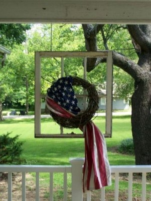 Super Patriotic Porch Independence Day Decoraion Ideas 39