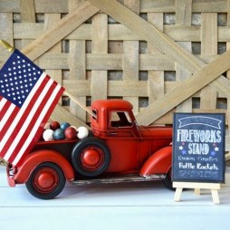 Unique Farmhouse Fourth July Decor Ideas That Inspire You 10
