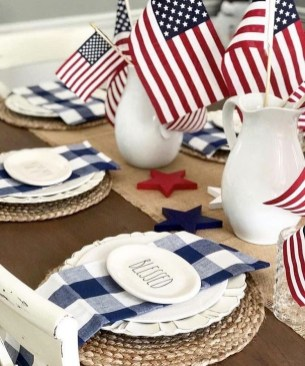 Unique Farmhouse Fourth July Decor Ideas That Inspire You 33