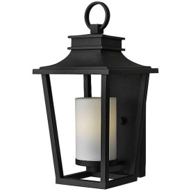 Classy Traditional Outdoor Lighting Ideas For Your House 03