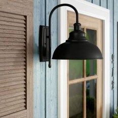 Classy Traditional Outdoor Lighting Ideas For Your House 34