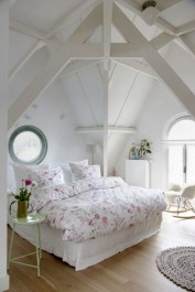 Comfy Attic Bedroom Design And Decoration Ideas 07
