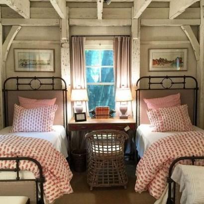Comfy Attic Bedroom Design And Decoration Ideas 09