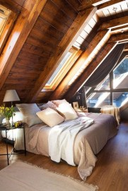 Comfy Attic Bedroom Design And Decoration Ideas 14