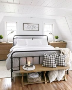 Comfy Attic Bedroom Design And Decoration Ideas 29
