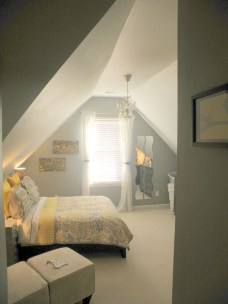 Comfy Attic Bedroom Design And Decoration Ideas 31