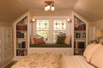 Comfy Attic Bedroom Design And Decoration Ideas 37
