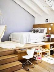 Comfy Attic Bedroom Design And Decoration Ideas 40