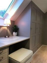 Comfy Attic Bedroom Design And Decoration Ideas 50