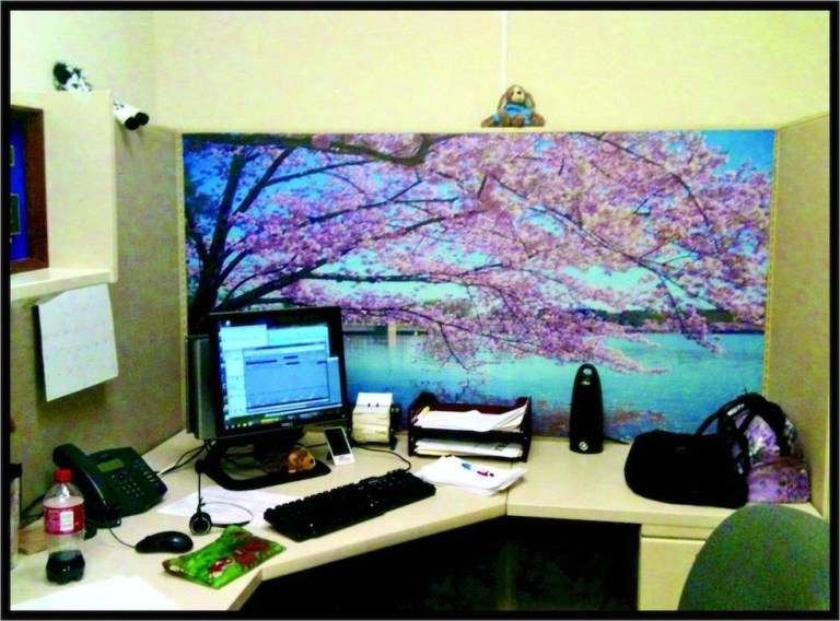 Gorgeous Cubicle Workspace To Make Your Work More Better 39