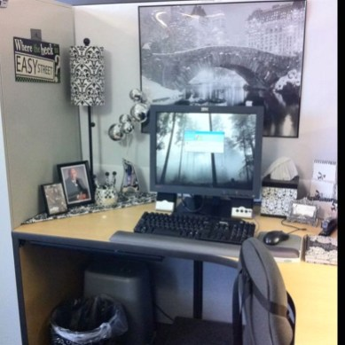 Gorgeous Cubicle Workspace To Make Your Work More Better 42