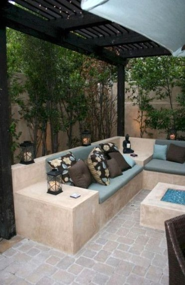 Impressive Seating Area In The Garden For Decoration 43