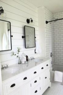 Inspiring Bathroom Decoration Ideas With Farmhouse Style 02