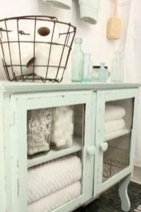 Inspiring Bathroom Decoration Ideas With Farmhouse Style 13