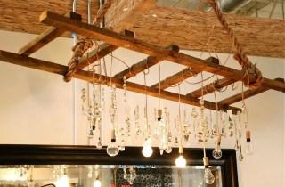 Magnificient Farmhouse Ladder Chandelier Ideas 52