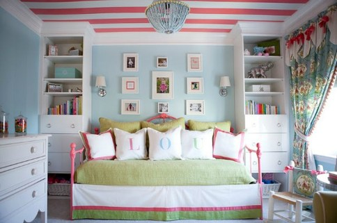 Outstanding Striped Ceiling Bedroom Decoration Ideas 05