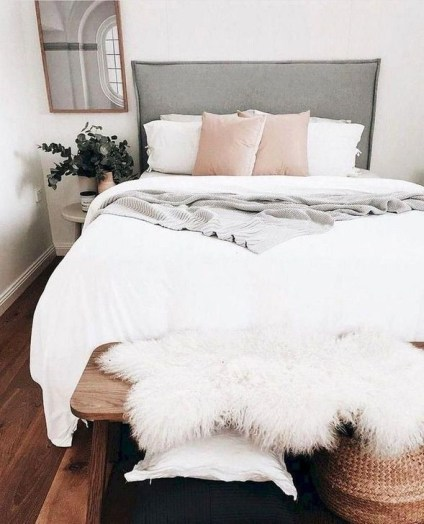 Romantic DIY Couple Apartment Decoration Ideas 09