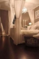 Romantic DIY Couple Apartment Decoration Ideas 40