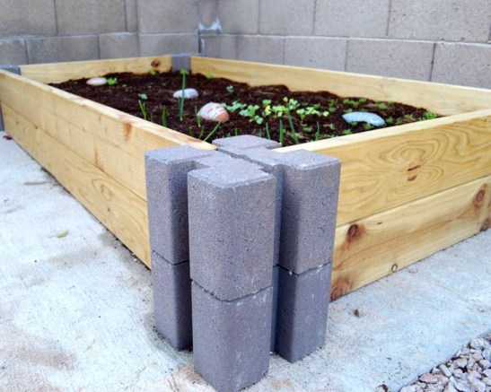 Stunning DIY Garden Bed To Beautify Your Backyard 08
