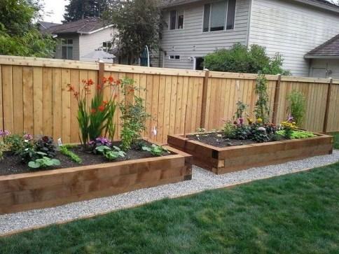 Stunning DIY Garden Bed To Beautify Your Backyard 33
