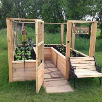 Stunning DIY Garden Bed To Beautify Your Backyard 40